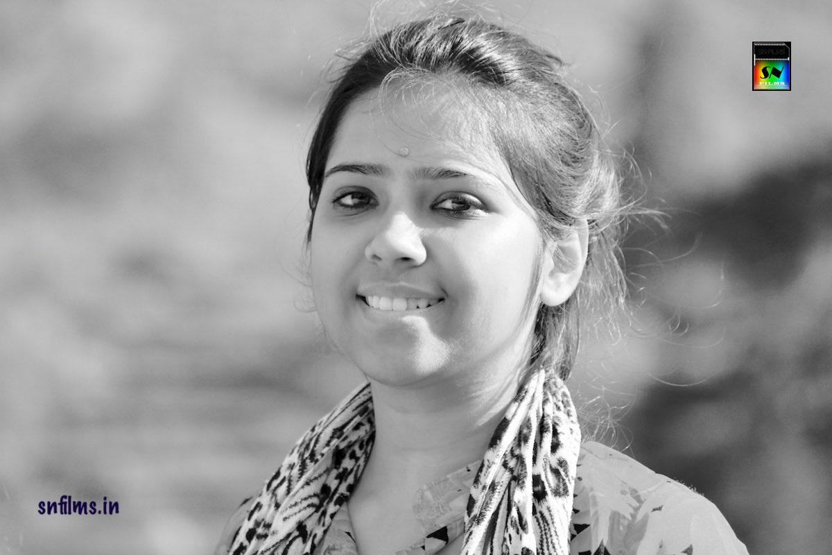 debasmita chattopadhyay - singer - bengali folk song - khachar bhitor achin pakhi - snfilms