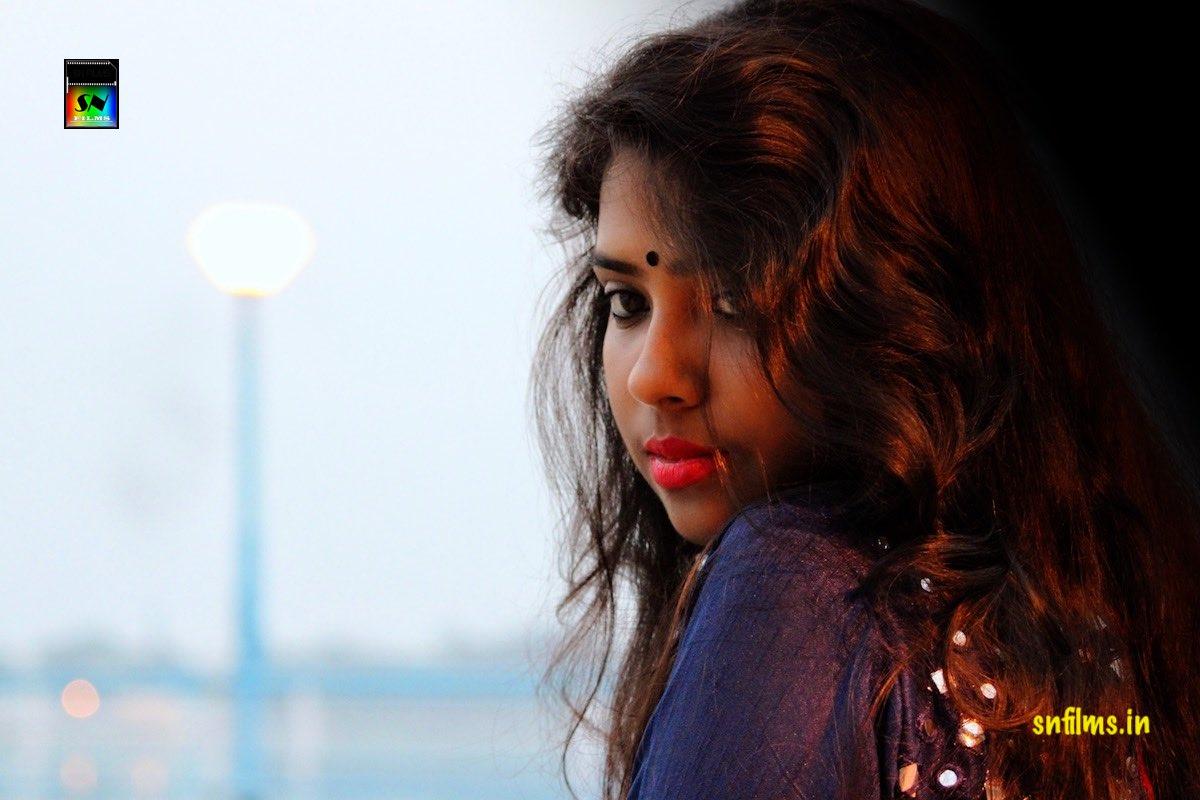 Debasmita Chattopadhyay - snfilms - diner seshe ghumer deshe